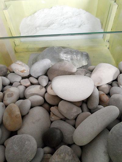 memoria 75 - Pebble sea and white sand